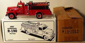 DTE 1:34 FIRST GEAR # 19-1289 INTERNATIONAL HARVESTER 1957 IHC FIRE TRUCK NIOB