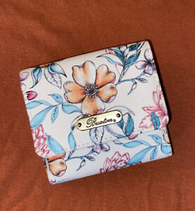 Buxton Coin Pouch Snap Fold Wallet Vibrant White Pretty Floral NWOT