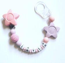 Schnullerkette Schnullerband mit Namen Wunschname flieder rosa mit Stern Sterne