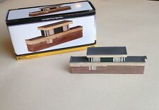 GRAHAM FARISH - 42-254 LOW RELIEF POWER SIGNAL BOX - N Gauge, Resin - Boxed