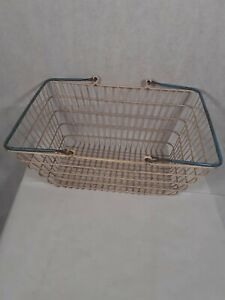 Blue Handle Wire Shopping Basket Retail Supermarket Use Hand Carry Mesh