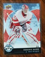 2007-08 upper deck mini jersey card #35 Dominik Hasek Detroit