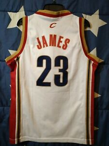 SIZE S Cleveland Cavaliers NBA Basketball Shirt Jersey Champion James #23