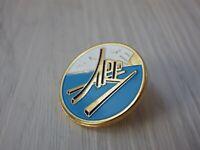 Pin's vintage épinglette Collector pins publicitaire W059