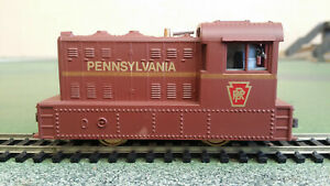 Model Power HO gauge 96709 0-4-0 Porter Hustler locomotive - Pennsylvania RR