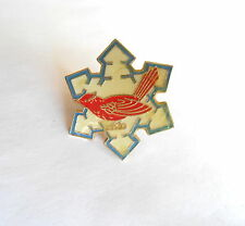 Cool Vintage Cardinal Redbird Red Snow Bird Winter Snowflake Pin Pinback