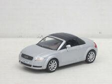 Audi TT Roadster Cabrio geschlossen in silber, ohne OVP, Hongwell/Cararama, 1:43