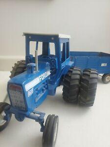 Ertl Ford 9600 Tractor 2WD Duals w Big Blue wagon  1/12