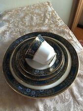 ROYAL DOULTON CARLYLE H5018 5PC /12 SETTINGS & 2 OVAL BOWL & OVAL PLATTER 63PC