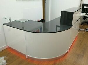 RECEPTION DESK IN ANTHRACITE GLOSS AND WHITE CURVED CORNER LED COLOUR LIGHTS