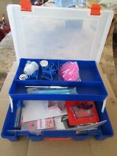 CAKE DECORATING TOOLS & COOKIE CUTTERS IN STURDY PLASTIC CASE
