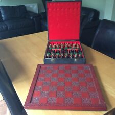 SUPERB CASED VINTAGE EGYPTIAN PIECE CHESS SET WITH CARVED WOODEN BOARD