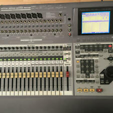 roland vs2480 ver2.50 hard disk 40gb with transport case and manual color gray