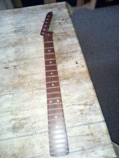 E. Gitarre Hals