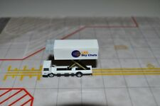 Herpa Wings 200 Ground Service Equipment LSG SKY CHEF for Inflight Gemini  1:200