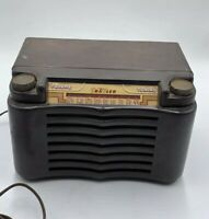 1948 Trave-ler Model 5015 AM US Brown Bakelite Radio Traveler