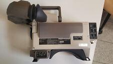 Sony Dxc-m3p sans objectif sans bloc d'alimentation. presque neuve. sur demande avec valise