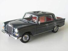 1:18 Norev Mercedes 200 Limousine 1966 HECKFLOSSE - grey