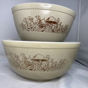 Vintage Pyrex Forest Fancies Mushroom Set of 2; 402 & 403 Nesting Mixing Bowls