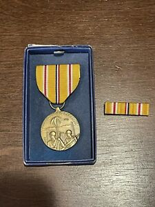 WW2 Asiatic Pacific Campaign Medal ORIGINAL BOX ( with ribbon bar) in box