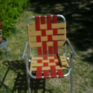 Vtg  Aluminum Lawn Chair Outdoor Folding Webbed Tan Red