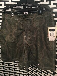 New With Tags MENS Tommy Hilfiger Army Green Board Shorts SwimWear Size Medium
