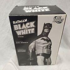 DC DIRECT Batman Black and White MIKE MIGNOLA STATUE Damage Maquette CIPRIANO