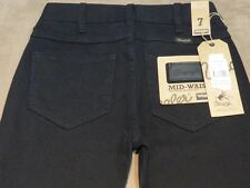 104 WOMENS WRANGLER MID WAIST BOOTCUT BLACK STRETCH JEANS SZE 7 NWT, $90 RRP.