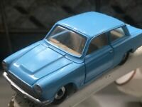 DINKY FORD CONSUL CORTINA No 139 VINTAGE DIECAST excellent condition Re Sprayed