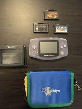 Nintendo Game Boy Handheld-Spielkonsole mit Spiele, Lupe & Tasche