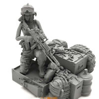Unpainted 1/35 Resin Figure Model Kit Navy Seals Female soldier+Battle Platform