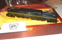 HO TRAINS - VERY LIMITED AHM 'BLACK JACK' PENNSYLVANIA GG-1 IN WOODEN BOX- W1