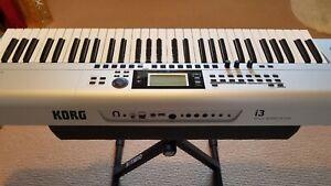KORG Music Workstation i3 - 61 Key - silver - used only once.