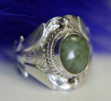 Vintage Jade Hand Wrought 0.925 Sterling Silver Ring size 7