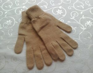 BURBERRY 💕 CAMEL GLOVES...NEW...100% LAMBSWOOL