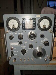 Hewlett Packard VHF signal generator Model 608D