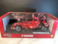 Modellini statici di auto da corsa rossa Ferrari