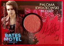 BATES MOTEL - PALOMA KWIATKOWSKI as Cody Brennan - Costume & Autograph Card CAPK