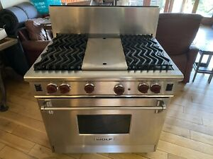 """Wolf 36"""" Lpg/ Natural Gas Commercial Range Cooker"""