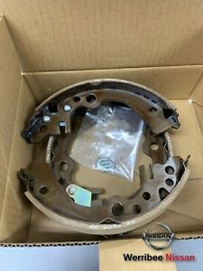 GENUINE NISSAN K12 MICRA OR CUBE REAR BRAKE SHOES 44060-AX026