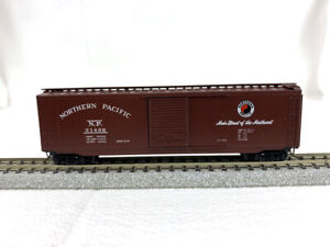 N Scale - Micro-Trains #31170 - Northern Pacific #31468 - 50' Boxcar  Blue Label