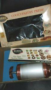 VTG MIRRO Cookie Press Complete in Original Box 12 Discs 3 tips Recipe Book