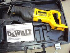 DEWALT - DW008 VARIABLE RECIPROCATING SAW KIT