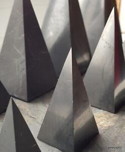 Schungit Pyramide hoch Orignl. der ZAZHOGINSKIJ MINE! 3cm bis 10 cm poliert / un