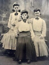 ANTIQUE VICTORIAN TINTYPE PHOTOGRAPH 3 N.J. SISTERS ~ PLEATED DRESS & HAIR BOWS