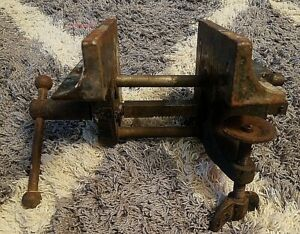Vintage Old Unknown Wood Vise Bench Mount Clamp On Cast Iron Vice Corner ? *NR*