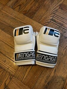 Engage MMA Sparring Gloves - 7oz - Small / Medium
