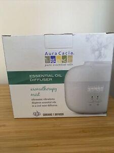 Aura Cacia Essential Oil Diffuser Aromatherapy Mist Cool New Open Box Bundle Set
