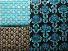 Stoffe Patchwork Baumwolle Blumen Federn Pfau Medaillon schwarz blau Golddruck