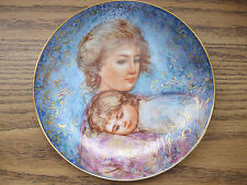 """1984 Mother's Day Collector's Plate by Edna Hibel """"Abby and Lisa"""" Edwin Knowles"""